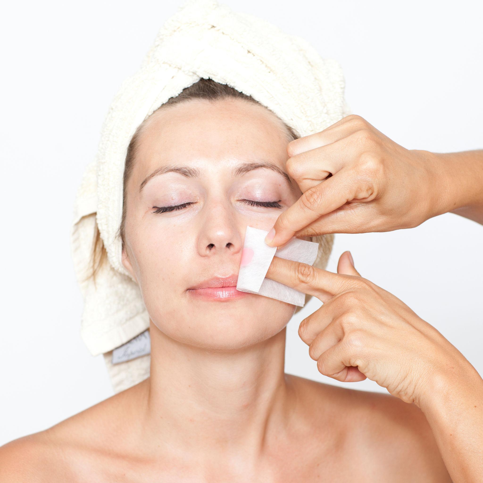 24921013 - remove facial hair